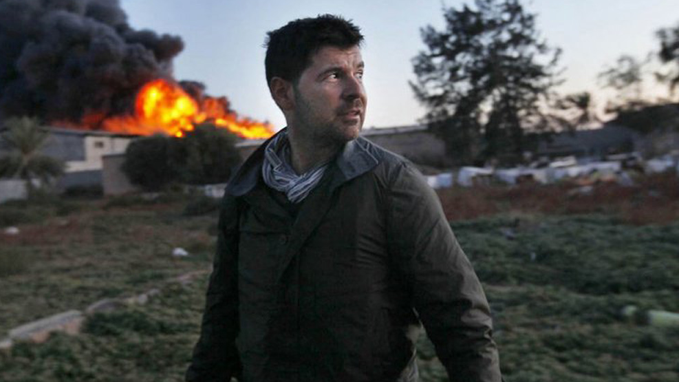 A photo of Chris Hondros on assignment